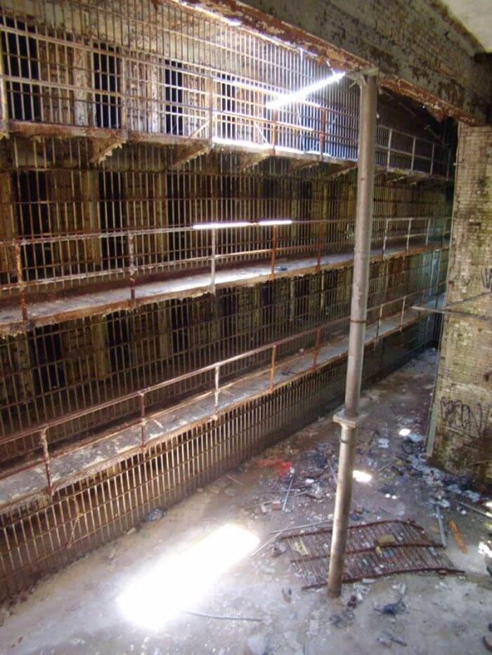 Essex County Jail Annex, North Caldwell, New Jersey