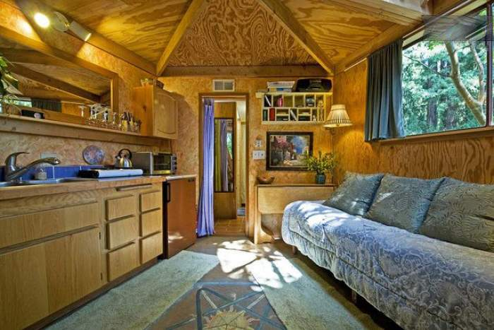 Mushroom Dome Cabin at Aptos in California, United States interiors