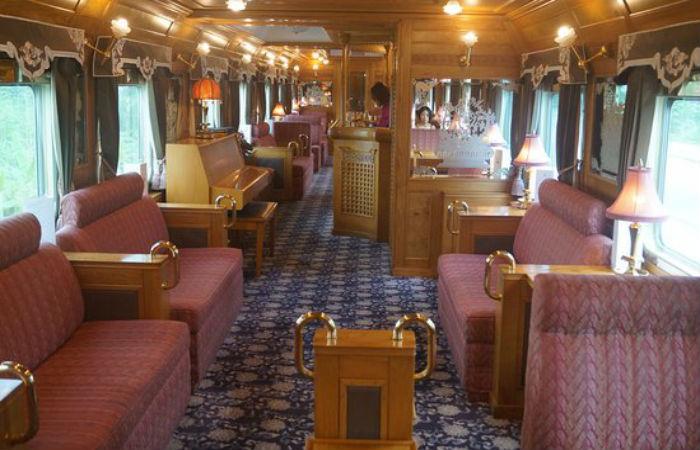 luxurious train